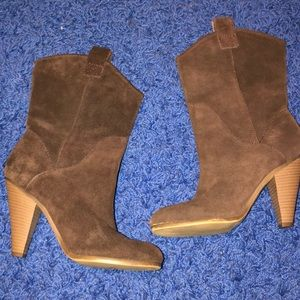Heeled cowboy style boot